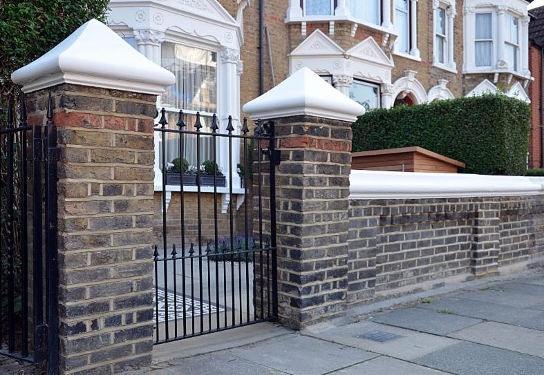 London garden wall company london garden brickwall builders for Victorian garden walls designs
